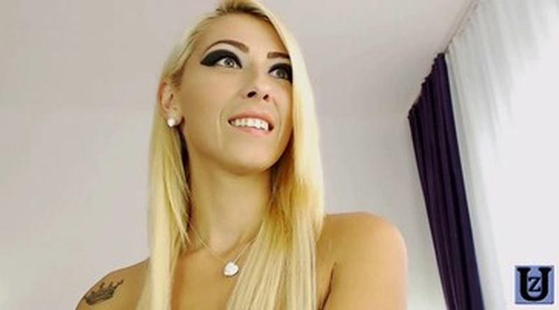 Blond Anal Gaping Solo Webcam
